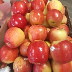 Apples, Honeycrisp bulk per 1 lb